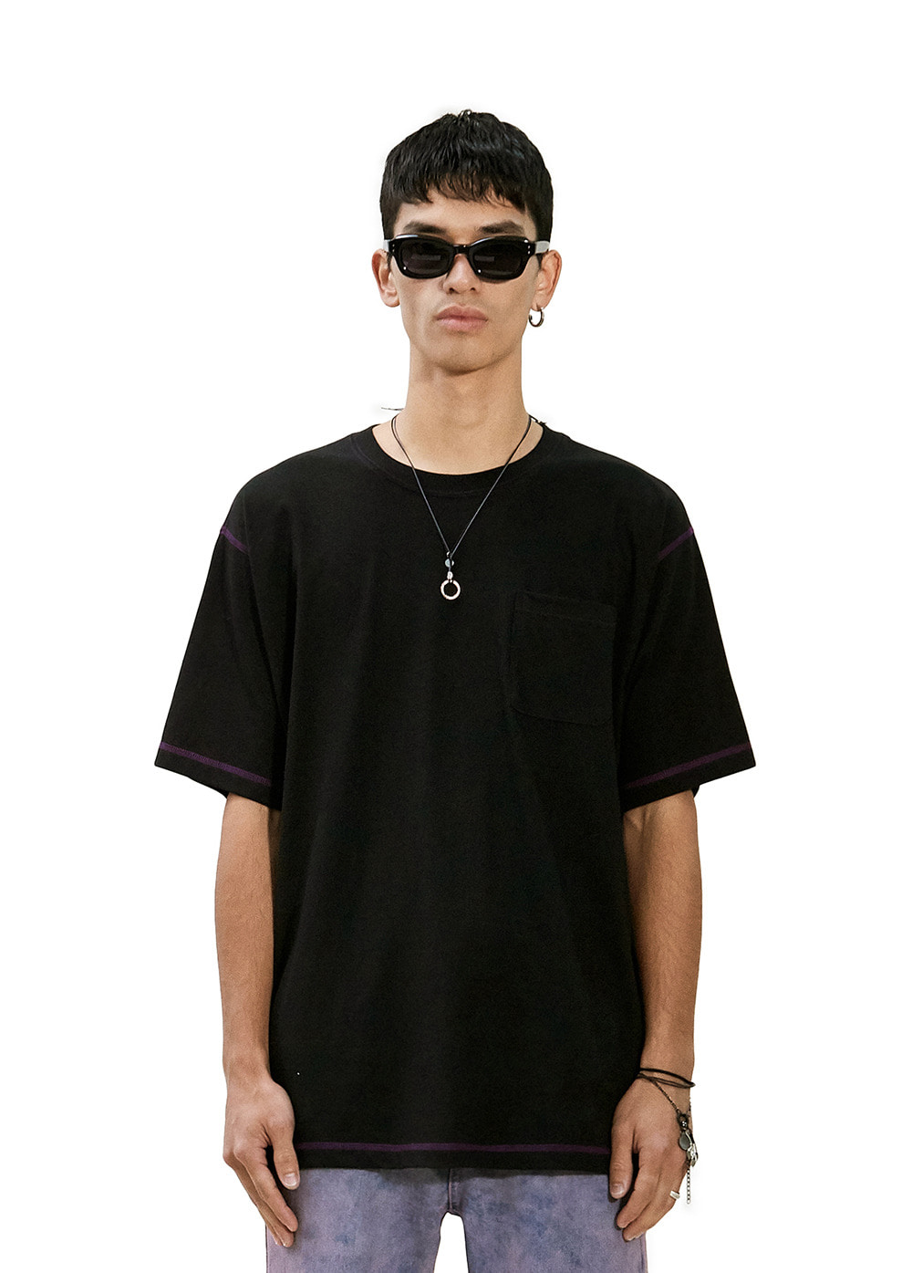 CONTRAST STITCH POCKET TEE black