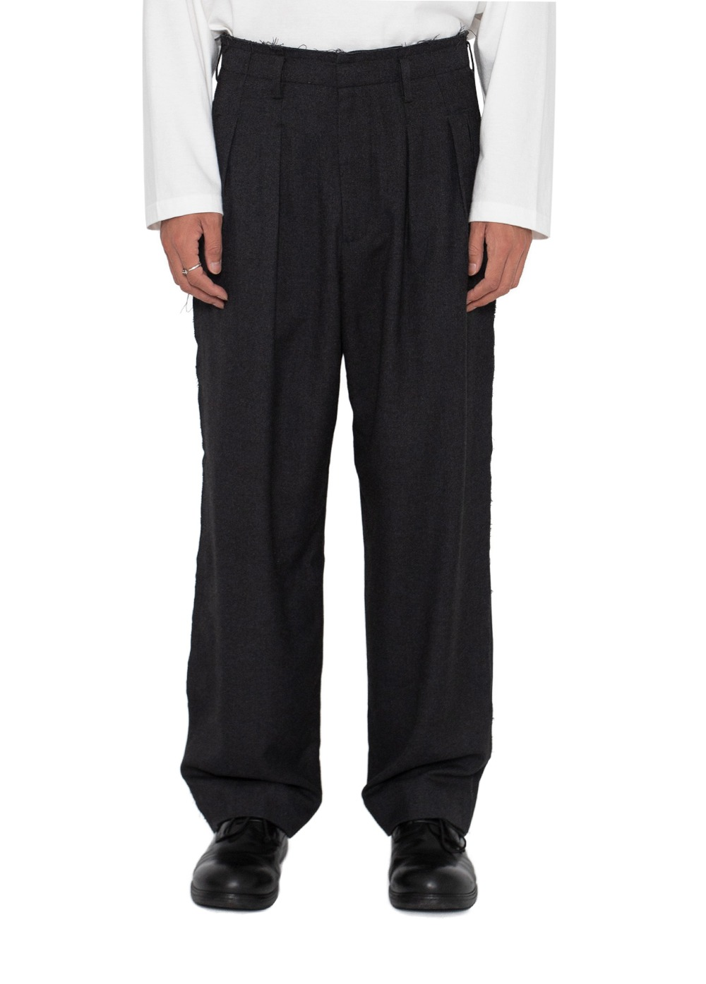 LIFUL CUT OUT TWO TUCK TROUSERS charcoal